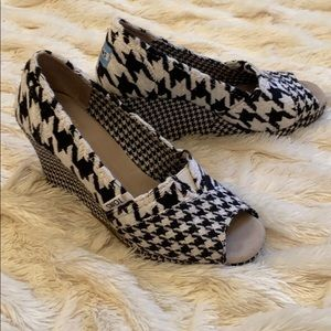 Toms Houndstooth Wedge
